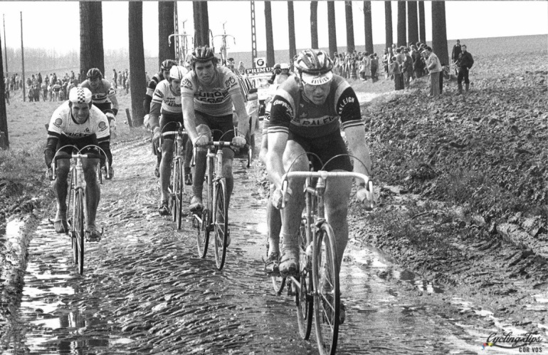 Hoogvliet - wielrennen - cycling - radsport - cyclisme - Tour of Flandres - Ronde van Vlaanderen - Jan Raas - Phil Anderson - Marc Sergeant - The 1983 Tour of Flanders was a wet and muddy day. - foto Cor Vos ©2012
