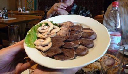 Kazakh_Horsemeat_platter