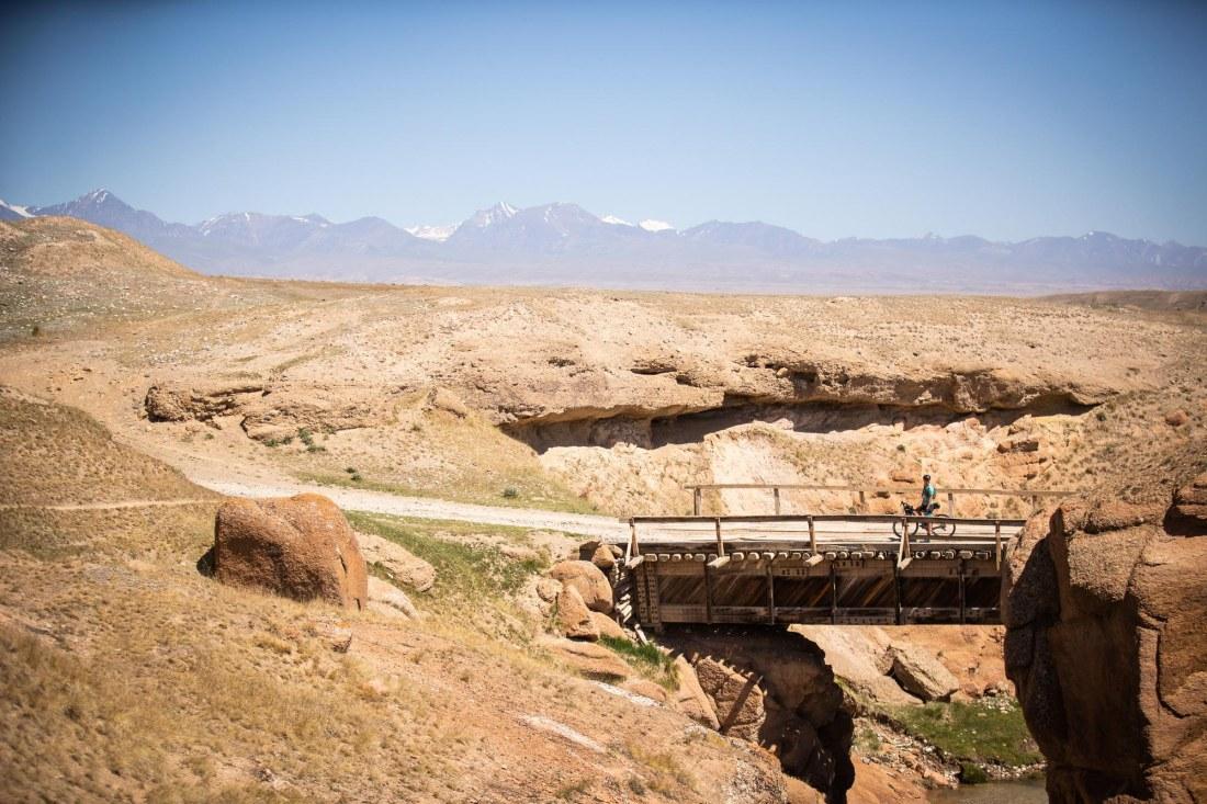 Kyrgyzstan_CyclingTips-Silk-Road-Ali-Tetrick-11