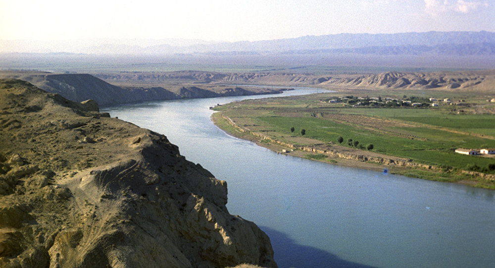 Uzbekistan_amudarya-river