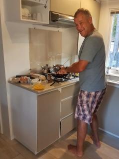 Roger prepares breakfast