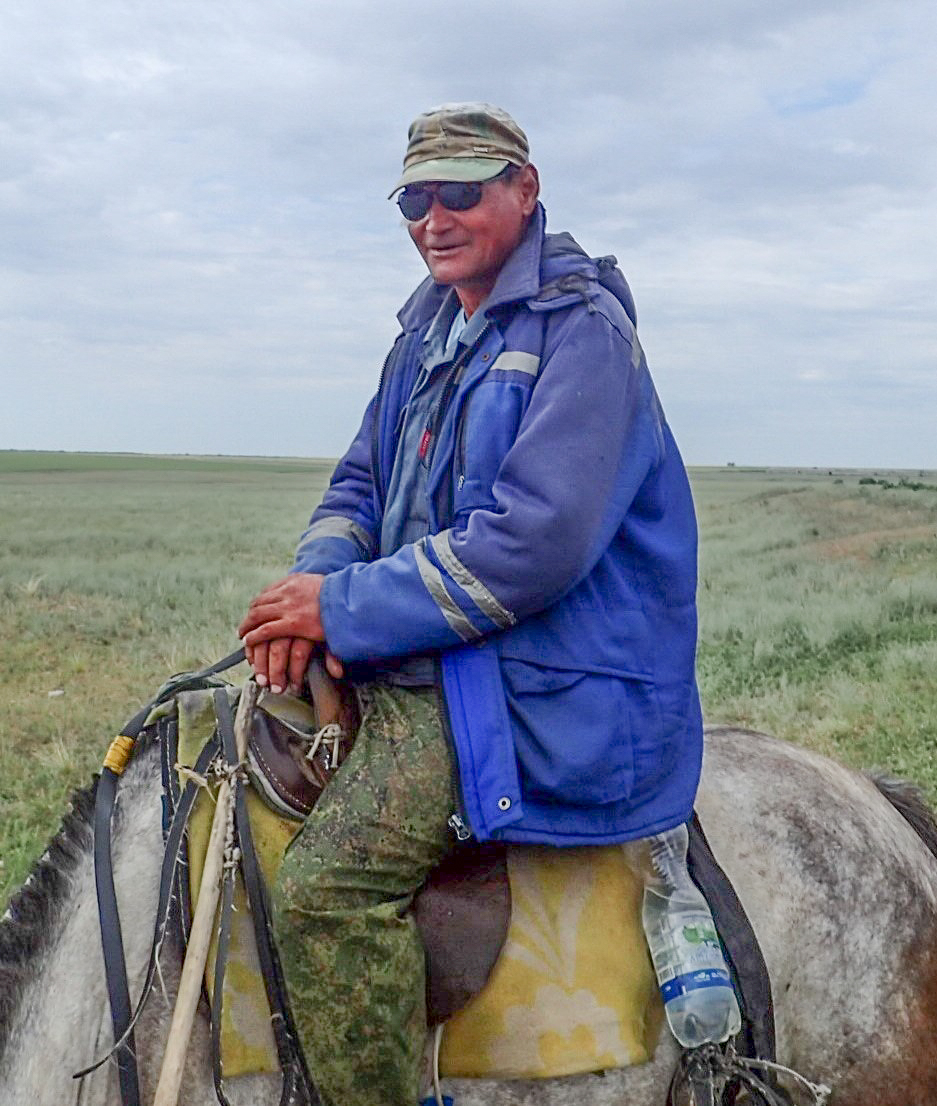 Alternative travel on the road to Kazakhstan, Russia