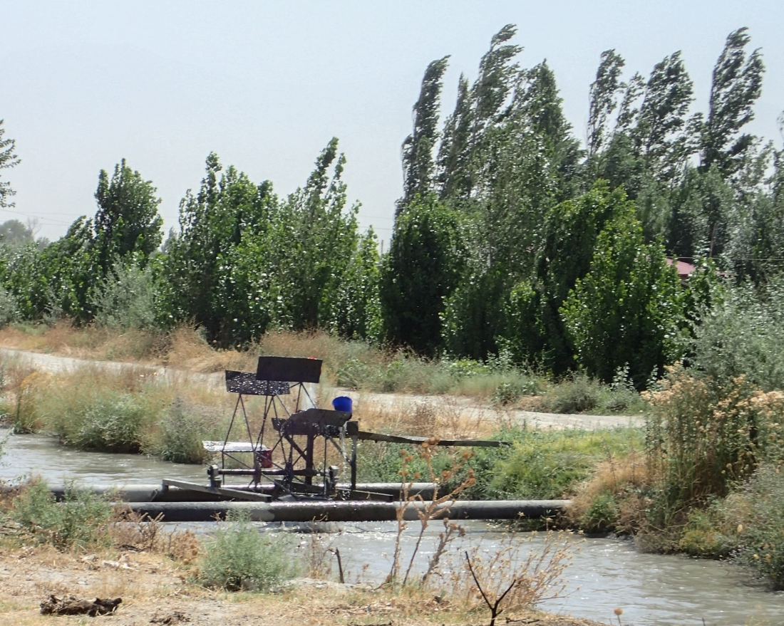 Irrigation water-wheel