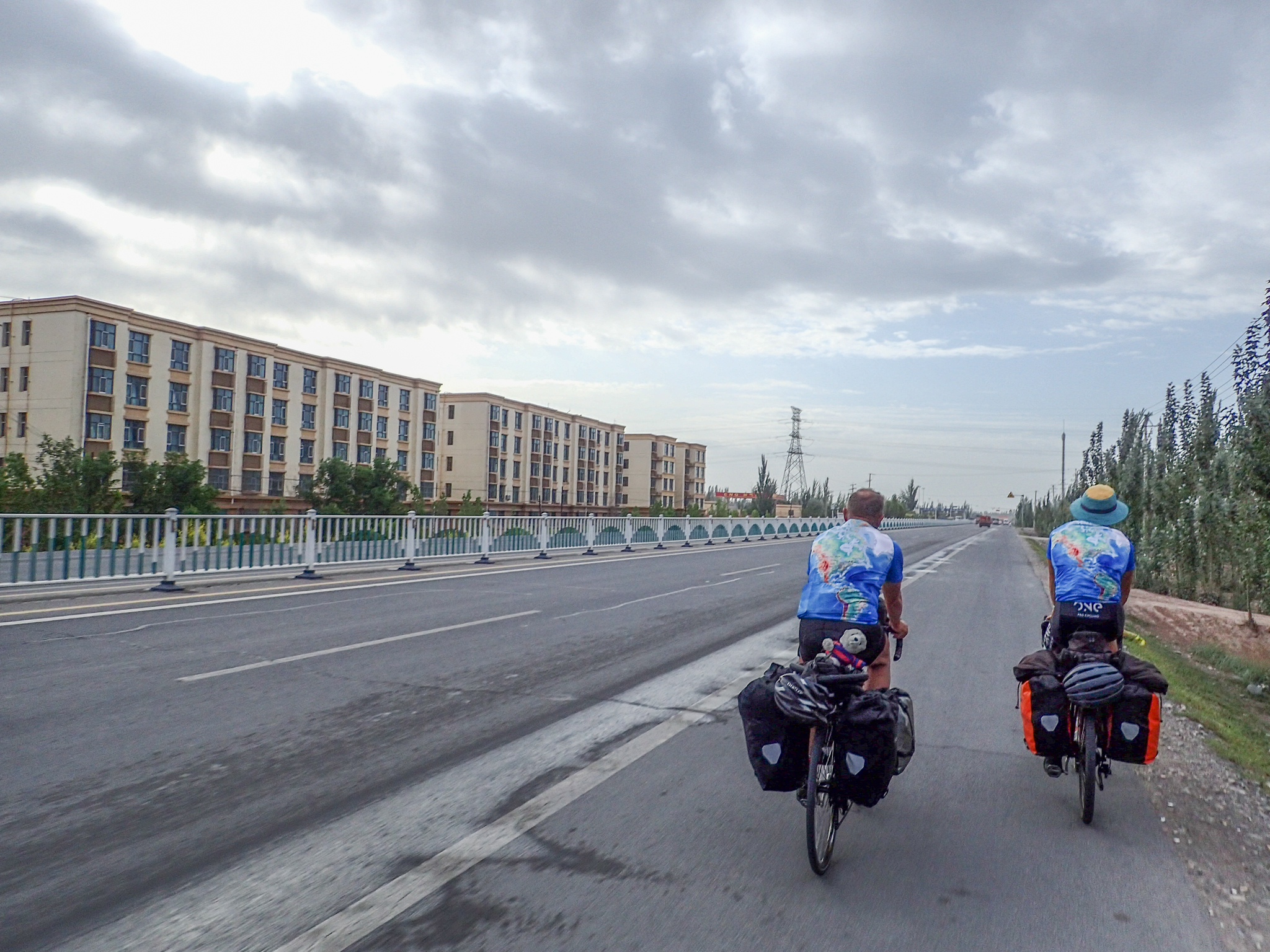 Leaving Kashgar after two rest days