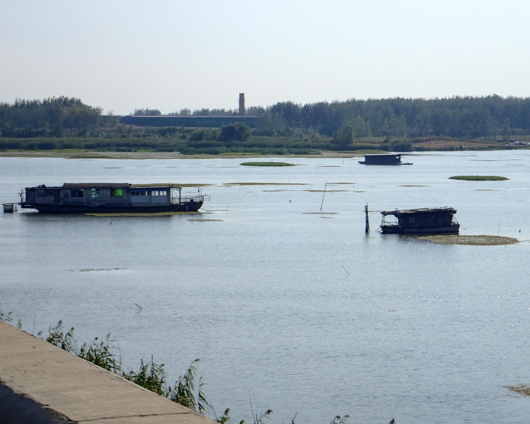 The Huaihe river on the apparoach to Bengbu