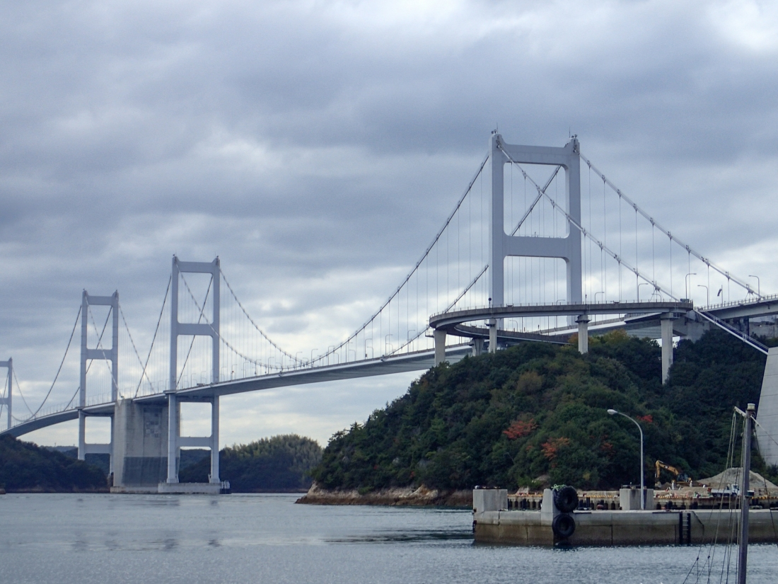 Approaching the Kurushima bridge
