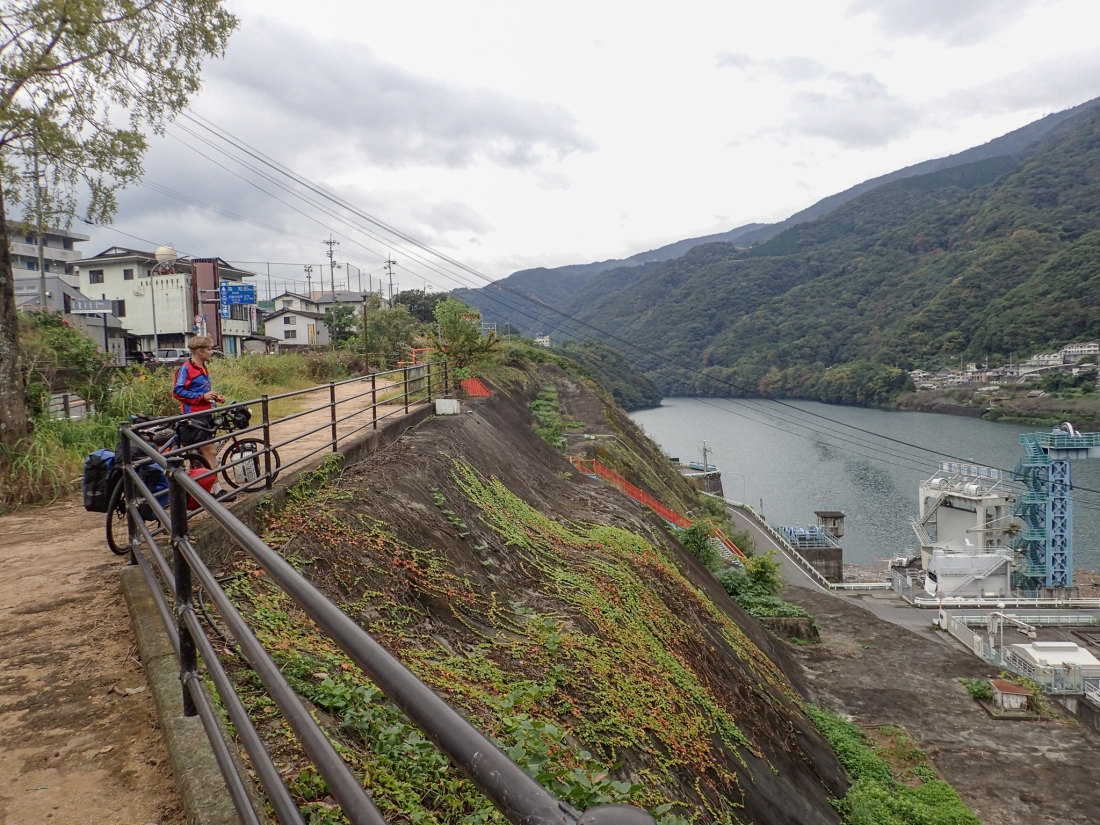 Lunch stop at the Ikeda Dam and Yoshino river