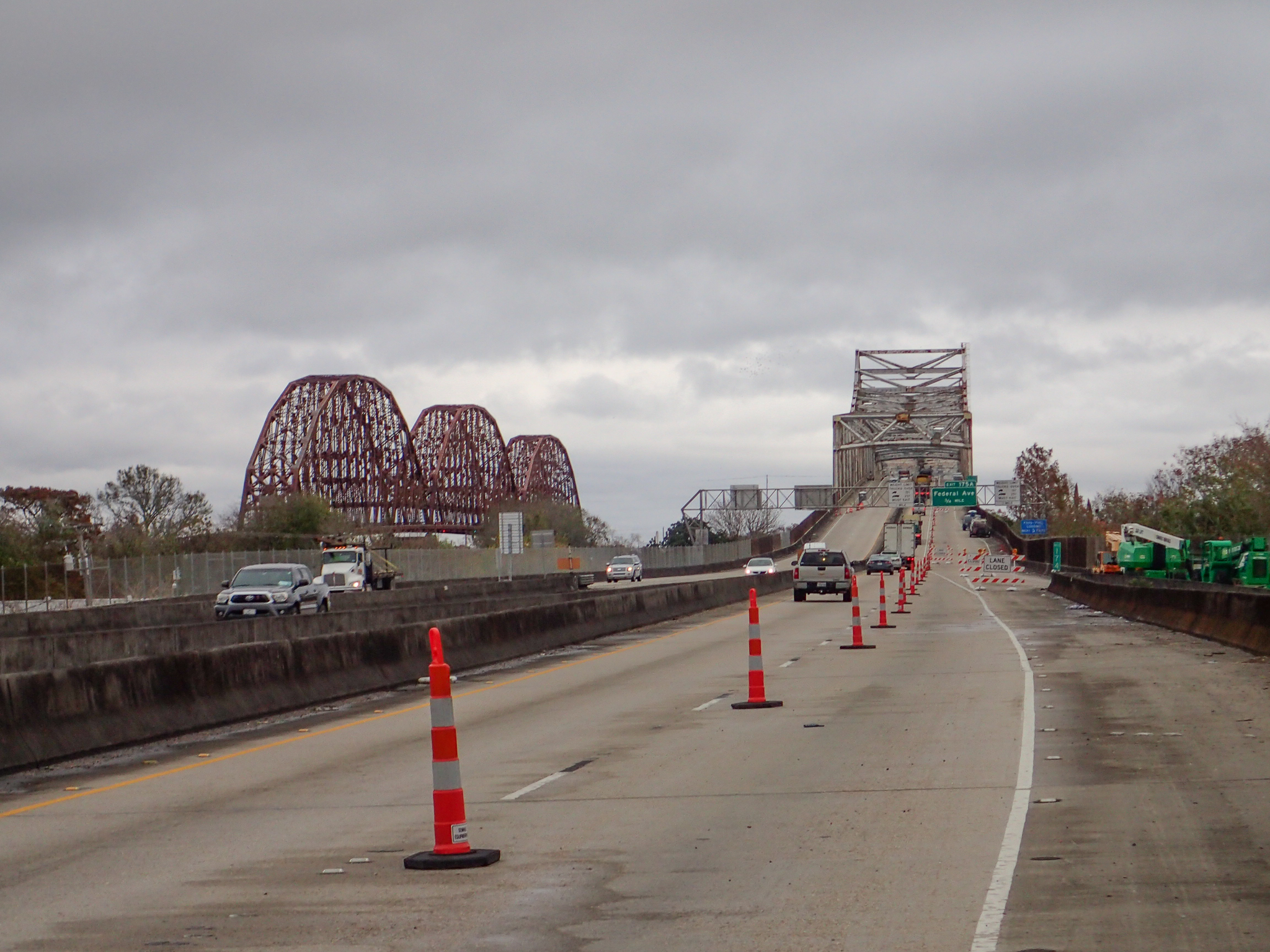 Approaching another bridge - at least a closed lane is available
