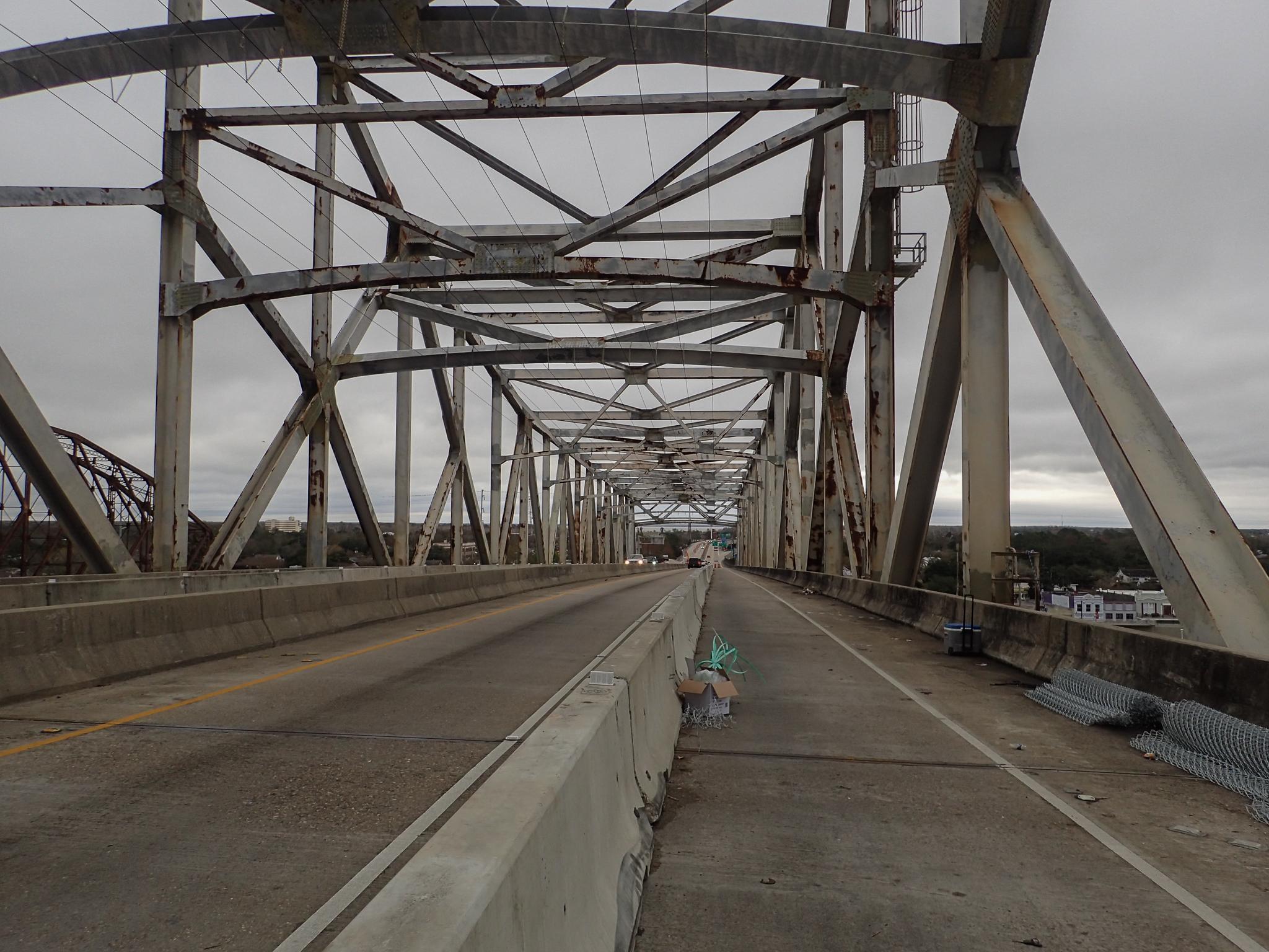 Clear path on the bridge