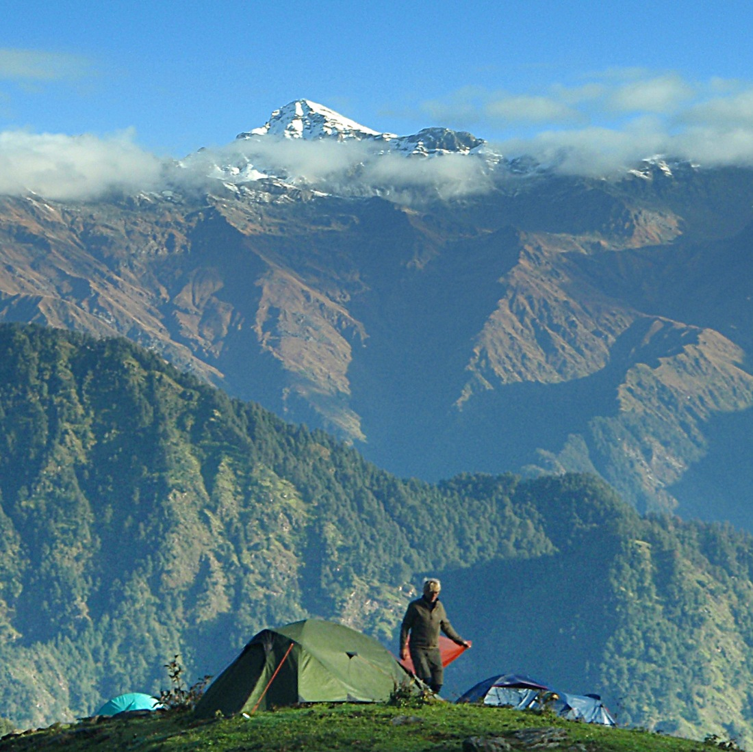 Steve at dawn at the campsite at Maggu, Uttarakhand, India. Trek Day 13
